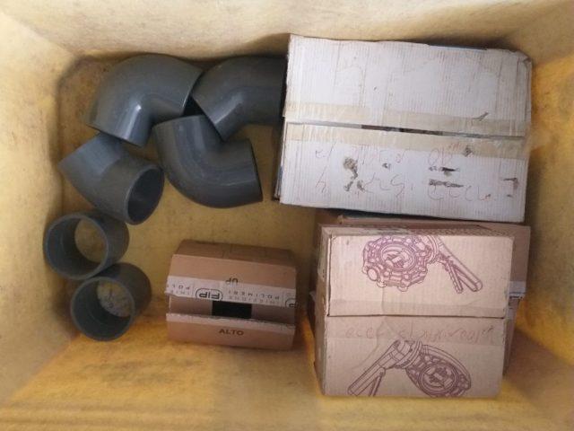 אביזרי פי וי סי הדבקה 140 110 מילימטר + ברזי פרפר מאוגנים
