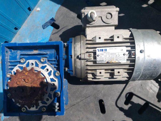 מנוע גיר תלת פאזי